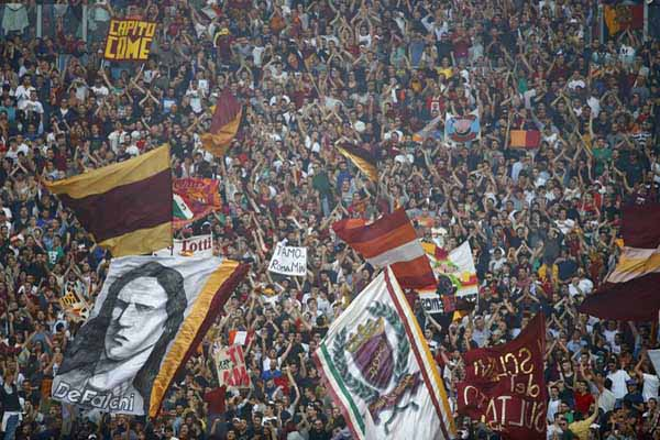Suporter AS Roma - Reuters