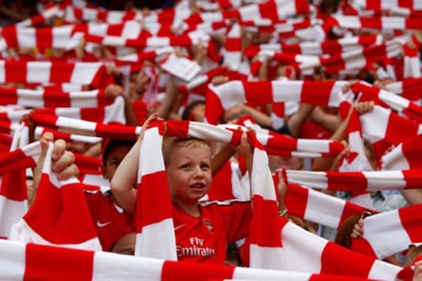 Suporter Arsenal - Reuters