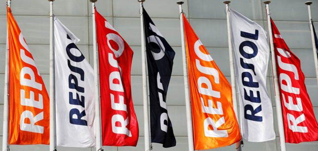 Ilustrasi bendera Repsol. - REUTERS/Paul Hanna