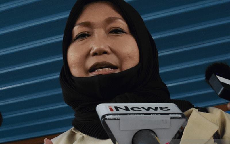 Pengacara dari buronan kasus korupsi pengalihan hak tagih (cessie) Bank Bali Djoko Tjandra, Anita Kolopaking memberikan keterangan kepada wartawan usai menjalani pemerikaan di Gedung Jaksa Agung Muda Pengawasan Kejagung, Jakarta, Senin (27/7/2020). - Antara\n\n