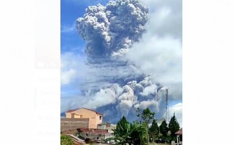 Gunung Sinabung di Kabupaten Tanah Karo, Sumatra Utara kembali erupsi pada Senin (10/8/2020) pagi. - Istimewa