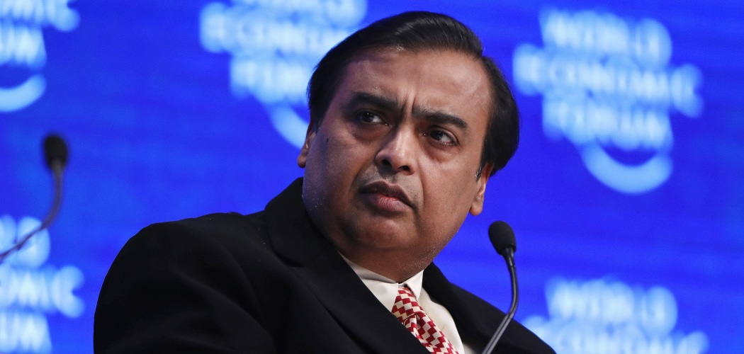 Mukesh Ambani, bos Reliance Industries Ltd., dalam sebuah sesi di World Economic Forum (WEF) di Davos, Swiss, Selasa (17/1/2017). - Bloomberg/Simon Dawson