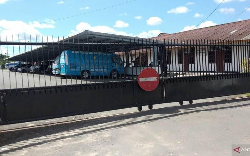 Ilustrasi-Pintu Gerbang Kantor Wali Kota Sorong - Antara/Ernes Kakisina