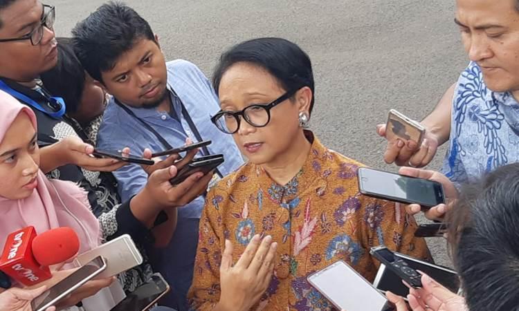 Menlu Retno Marsudi saat memberikan keterangan kepada wartawan terkait larangan sementara berkunjung ke Arab Saudi - Bisnis/Muhammad Khadafi