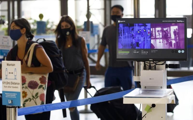 Ilustrasi-Suasana di Bandara Internasional Los Angeles, 7 Juli 2020. - Bloomberg/Patrick T. Fallon