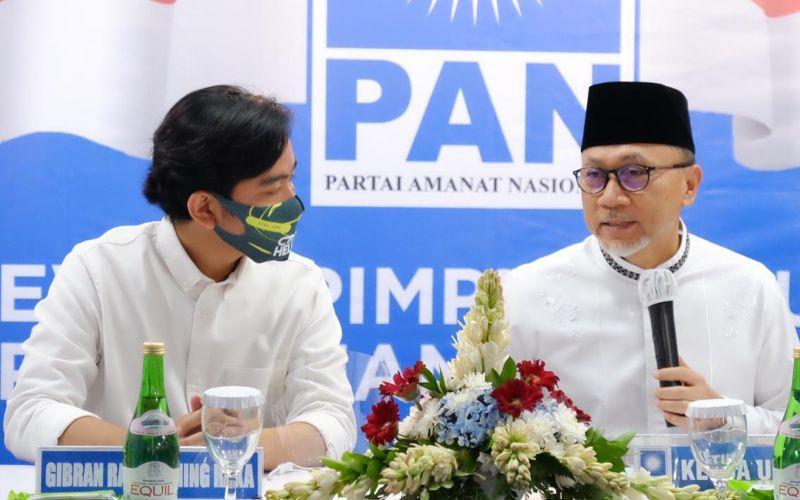 Calon Wali Kota Solo Gibran Rakabuming Raka dan Ketua Umum Partai Amanat Nasional (Zulkifli Hasan) / Twitter