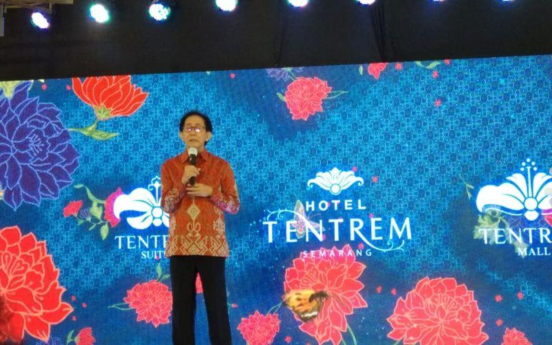 Irwan Hidayat memberikan sambutan saat peresmian pembukaan Hotel Tentrem, Mal Tentrem dan Tentrem Suites di Semarang, Kamis (13/8/2020) -  Bisnis / Farodilah Muqodam