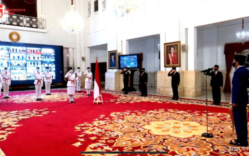Presiden Joko Widodo mengukuhkan delapan anggotaPasukan Pengibar Bendera Pusaka (Paskibraka) di Istana Negara, Kamis (13/8/2020)  -  Youtube Setpres