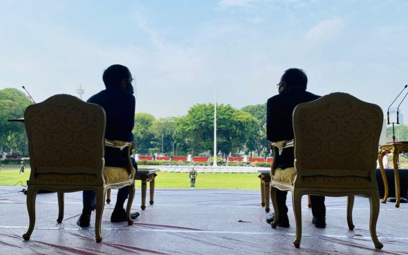 Presiden Joko Widodo menyaksikan geladi kotor upacara perigatan kemerdekaan dengan penerapan protokol kesehatan di Istana Merdeka, Jakarta, Kamis (13/8 - 2020) / Twitter @jokowi