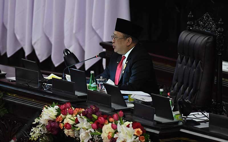 Ketua MPR Bambang Soesatyo menyampaikan pidato pengantar dalam rangka sidang tahunan MPR di Ruang Rapat Paripurna, Komplek Parlemen, Jakarta, Jumat (14/8/2020). ANTARA FOTO - Galih Pradipta