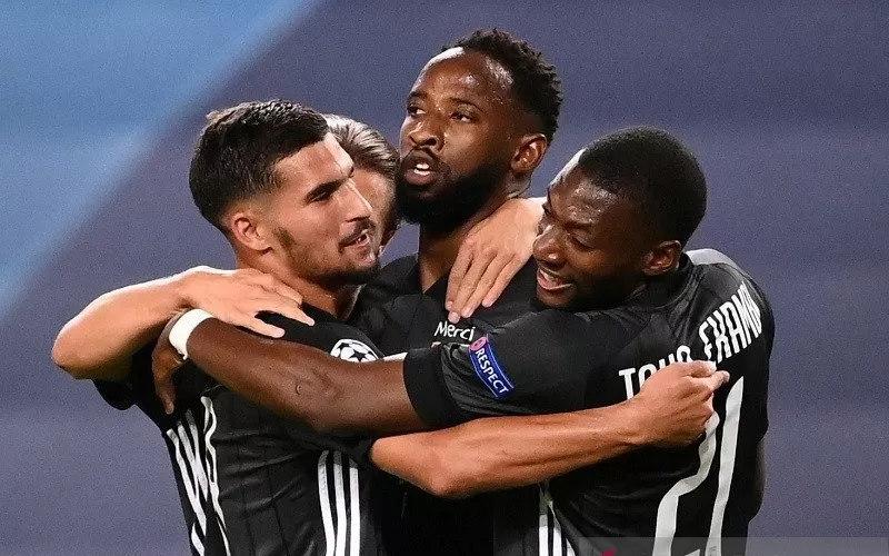 Pemain Lyon usai mengalahkan Manchester City - Antara