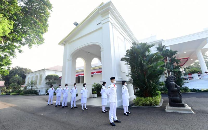 Tim Sabang Kibarkan Merah Putih di Istana Merdeka dalam Upacara Derik-Detik Proklamasi Kemerdekaan RI Ke-75, Senin (17/8/2020). -  Muchlis Jr / Biro Pers Sekretariat Presiden