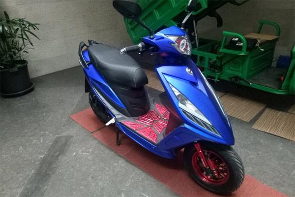 Ilustrasi: Sepeda motor listrik Lincah.  - Antara