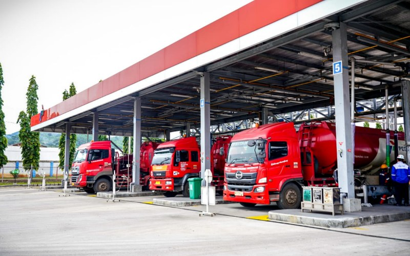Mobil tanki Pertamina siap menyalurkan pasokan BBM di Sumbagsel. - Istimewa