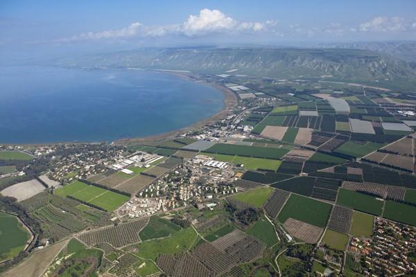 Ilustrasi-Foto udara Laut Galilea atau Danau Tiberias atau Danau Gennesaret, danau air tawar terluas di Israel, yang diambil 1 Februari 2010. - Israel Tourism