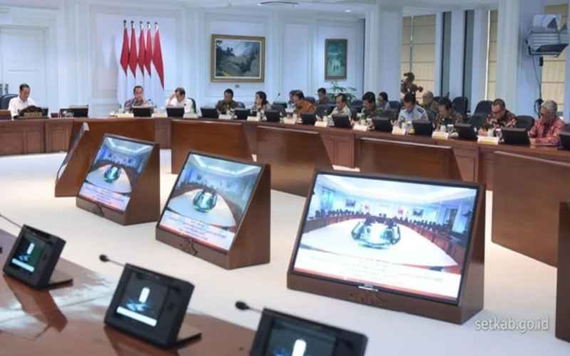 Foto Rapat Terbatas Kabinet Indonesia Maju pada 11 Maret 2020. - Bisnis/setkab.go.id