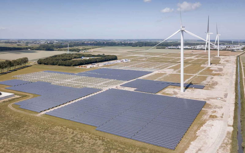Ladang pembangkit listrik Vattenfall. Beberapa produsen minyak terbesar di Eropa saat ini tengah fokus untuk meningkatkan bauran energi hijau dalam portofolio bisnis mereka.  - Vattenfall