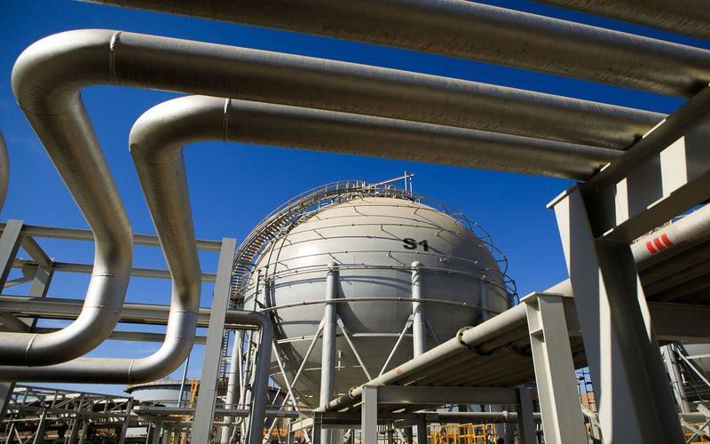Ilustrasi jaringan pipa gas - Bloomberg