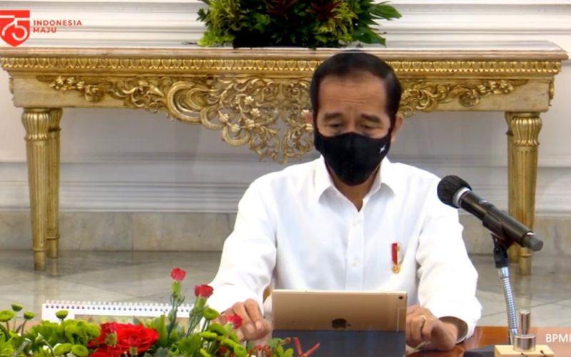 Presiden Joko Widodo membuka rapat terbatas laporan Komite Penanganan Covid-19 dan Pemulihan Ekonomi Nasional dari Istana Merdeka, Jakarta, Senin (24/8 - 2020) / Youtube Setpres