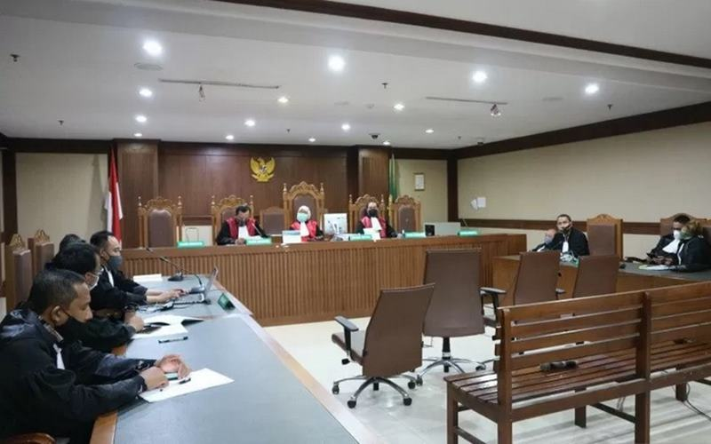 Suasana pembacaan vonis untuk mantan anggota Komisi Pemilihan Umum (KPU) periode 2017-2022 Wahyu Setiawan dan kader PDIP Agustiani Tio Fridelina di pengadilan Tindak Pidana Korupsi (Tipikor) Jakarta, Senin (24/8). - Antara