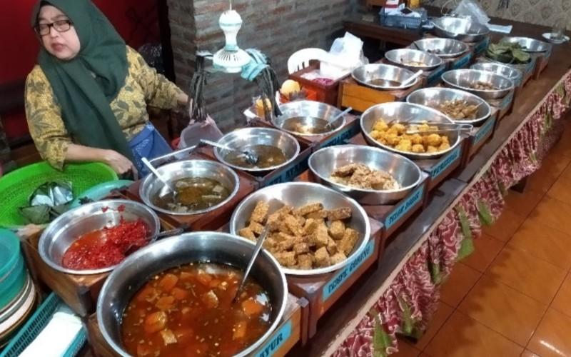 Warung Nasi Jamblang Tulen - Bisnis/Hakim Baihaqi