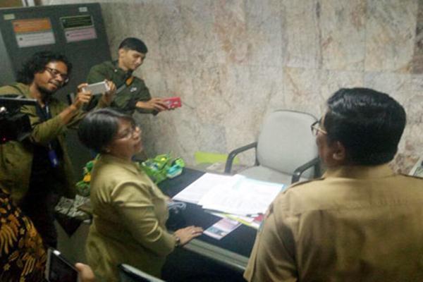 PNS di Lantai 20 Gedung Blok G Balai Kota, Gambir, Jakarta Pusat.sidak kehadiran PNS DKI, Senin (27/3/2017) - beritajakarta