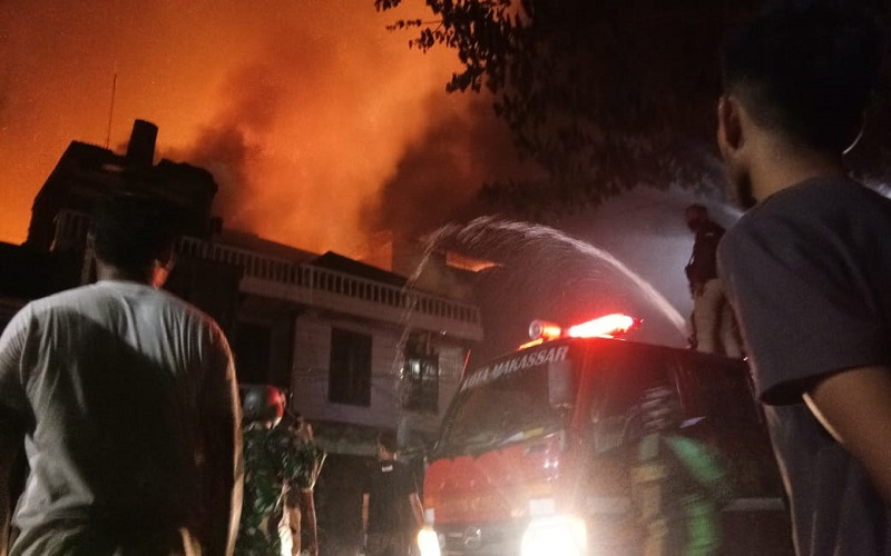 Kebakaran Makassar - Istimewa