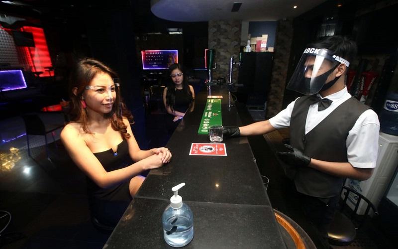 Protokol kesehatan di salah satu kelab malam di Kota Bandung - Bisnis