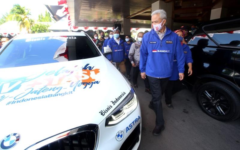 Gubernur Jawa Tengah Ganjar Pranowo bersiap melepas tim