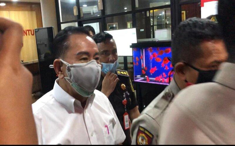 Djoko Soegiharto Tjandra seusai diperiksa selama tiga jam oleh penyidik Kejaksaan Agung.