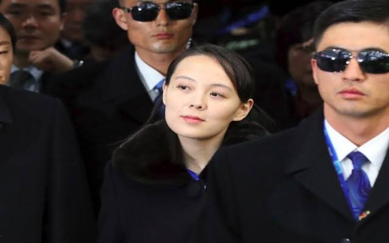 Kim Yo-jong, adik kandung Kim Jong-un didampingi pengawal - istimewa
