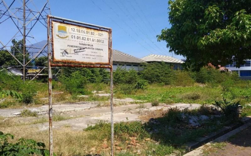 Lahan kosong di Jalan Sultan Agung, Kecamatan Sumber, Kabupaten Cirebon, yang bakal menjadi mal pelayanan publik. - Bisnis/Hakim Baihaqi