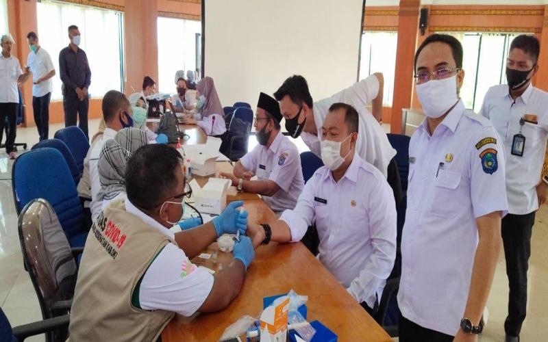 Rapid test pegawai di lingkungan Pemkab OKI, Sumsel. - Istimewa