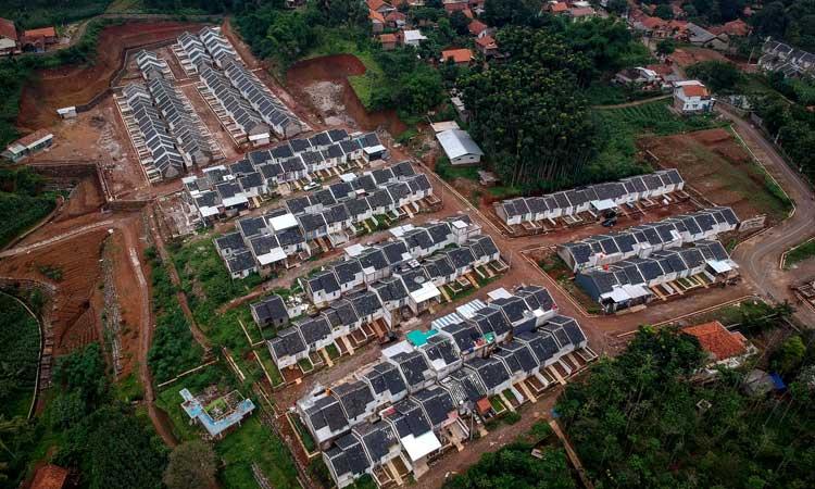 Foto udara perumahan bersubsidi di Sumedang, Jawa Barat./Antara/ - Raisan Al Farisi