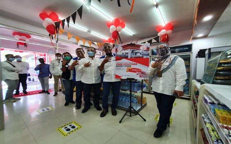 Grand opening New Bright Store di SPBU COCO 41.501.28, Jalan Majapahit, Penggaron Kidul, Pedurungan, Kota Semarang, Jawa Tengah pada hari Kamis (27 - 8).