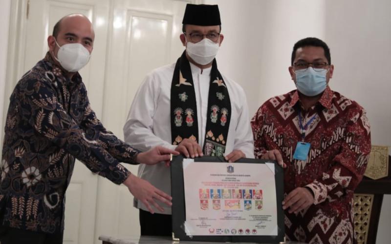 Badan Usaha Milik Daerah (BUMD) DKI Jakarta PD Dharma Jaya menjalin kerja sama dengan Blambangan Group, dalam mengeluarkan produk pangan olahan kemasan kaleng dengan merk DJ Food, pada Jumat (28/8 - 2002).