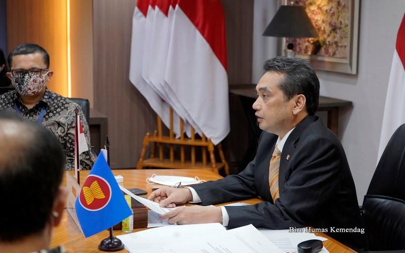 Mendag Agus Suparmanto menjelaskan pentingnya kerja sama ekonomi antara ASEAN dengan RRT, Jepang, dan Korea dalam menjaga perdagangan dan investasi serta mendorong pemanfaatan teknologi informasi dan komunikasi.  - Dok. Humas Kemendag.
