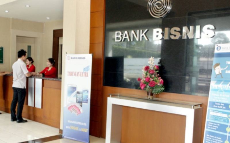 Aktivitas di salah satu kantor cabang Bank Bisnis Internasional - bankbisnis.id
