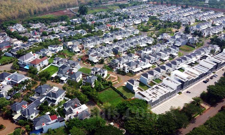 Foto udara kawasan perumahan di Semarang, Jawa Tengah. - Bisnis