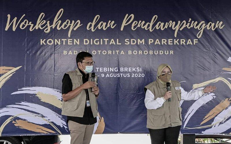 Direktur Utama Badan Otorita Borobudur Indah Juanita (kanan), saat memberikan motivasi kepada peserta dalam Workshop dan Pendampingan Konten Digital SDM Parekraf kepada pengelola wisata Tebing Breksi, Sleman, Jumat (7/8/2020). - Ist