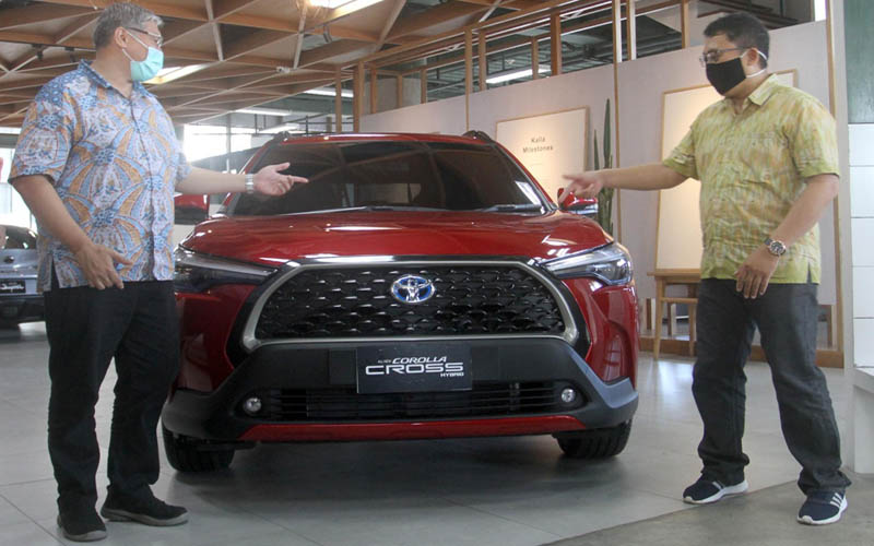 Kalla Toyota meluncurkan All New Corolla Cross di Makassar, Kamis 3 September 2020. Kendaraan jenis SUV ini sudah terjual sebanyak lima unit di wilayah penjualan Kalla Toyota pasca doluncurkan. Ditargetkan  sebanyak 10 unit All News Corolla Cross terjual setiap bulannya. - Bisnis/Paulus Tandi Bone