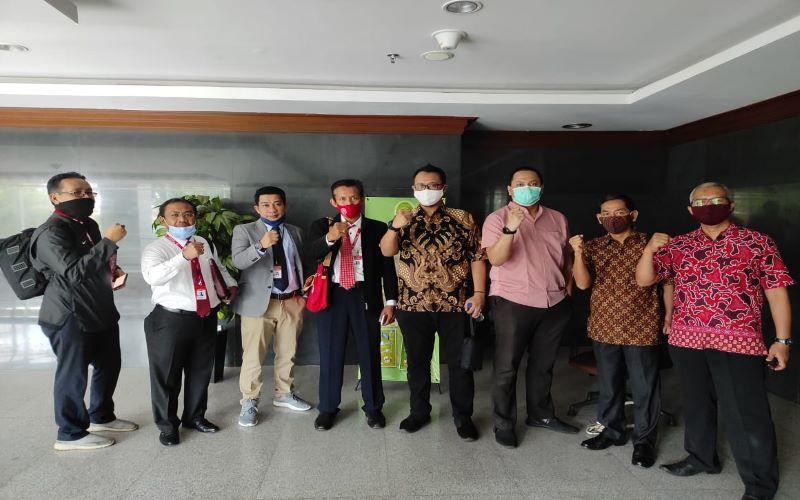 Tim SP Bumiputera 1912 di Pengadilan Negeri Jakarta Pusat. - Dok. Serikat Pekerja