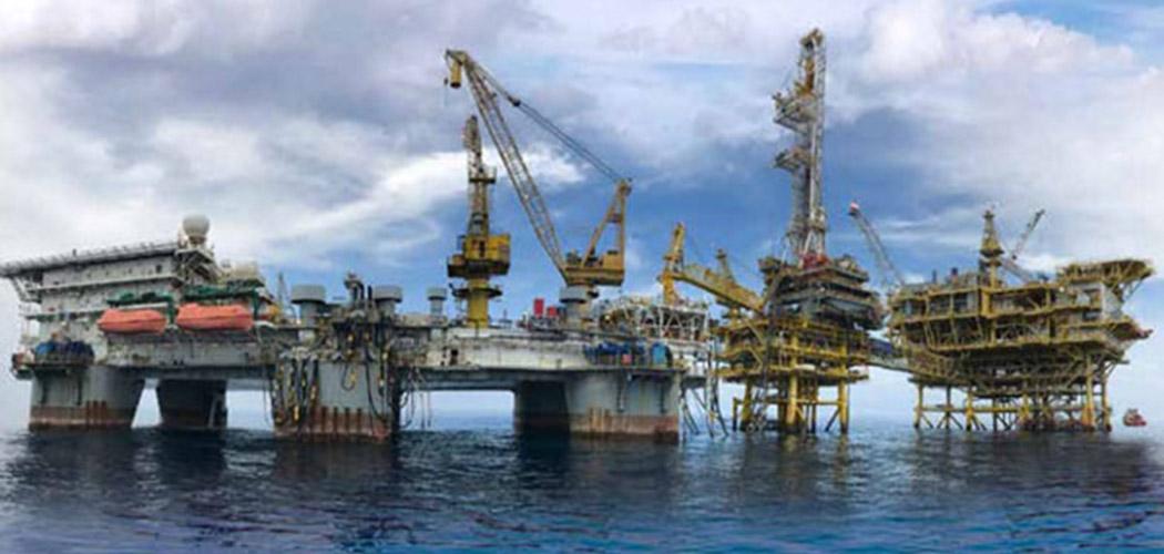 Aktivitas pengeboran migas PT Medco Energi Internasional Tbk. (MEDC) di Laut Natuna Selatan. - MedcoEnergi.com