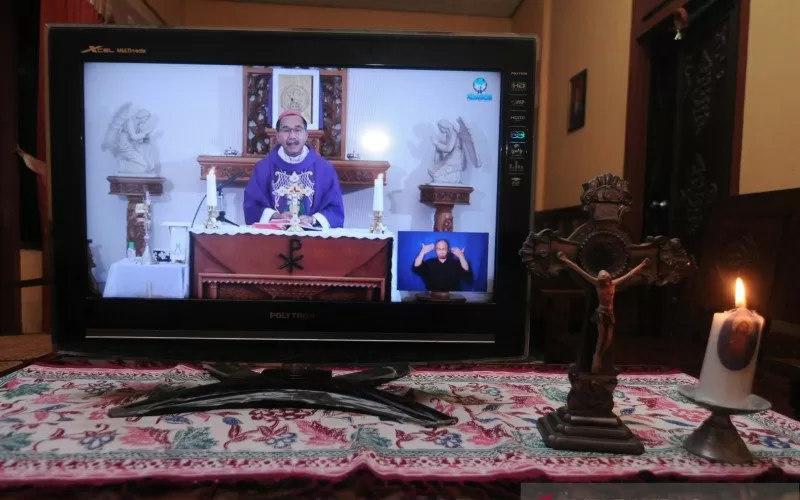 ibadah Minggu via live streaming - Antara