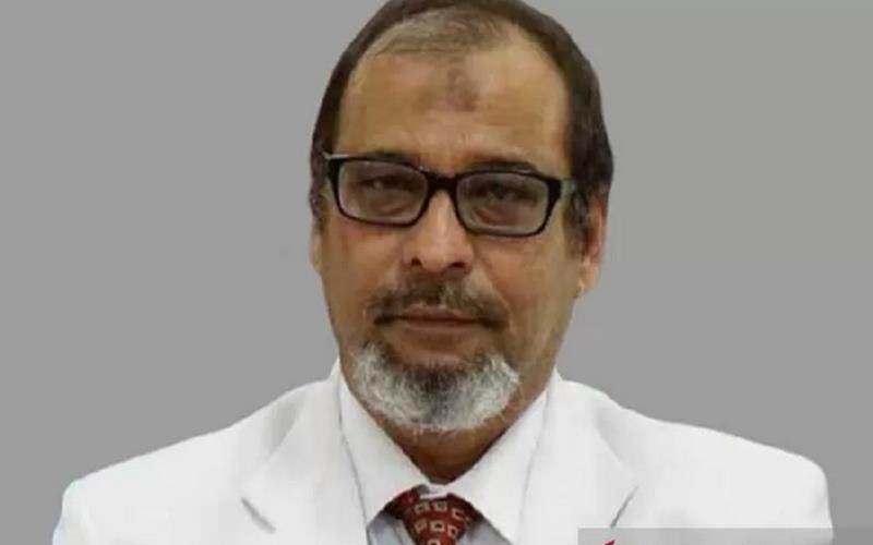 Foto almarhum Dr Machmud SpBS, dokter ahli bedah syaraf di Kediri, Jawa Timur, yang meninggal dunia karena Covid-19. - Antara