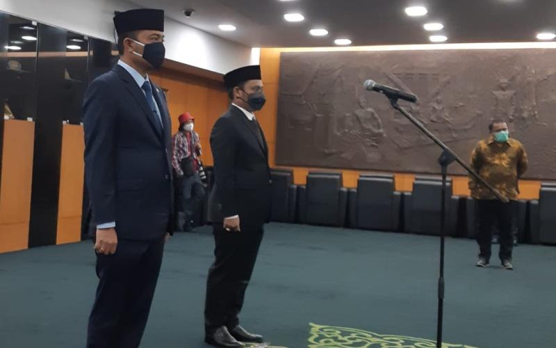 Dua anggota MPR baru dilantik hari ini oleh Ketua MPR, Bambang Soesatyo. Mereka terdiri dari Prasetyo Hadi (kanan) dari Daerah Pemilihan Jawa Tengah dan Khaerul Saleh (kiri) dari Sulawesi Selatan masing-masing berasal dari Partai Gerindra, Kamis (10/9/2020) - Bisnis.com/John Andhi Oktaveri