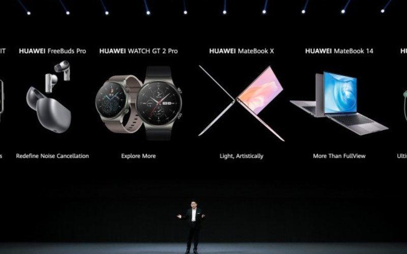 Executive Director and CEO of Huawei Consumer BG, Richard Yu, mengumumkan enam produk baru Huawei peluncuran global produk baru yang mengusung strategi