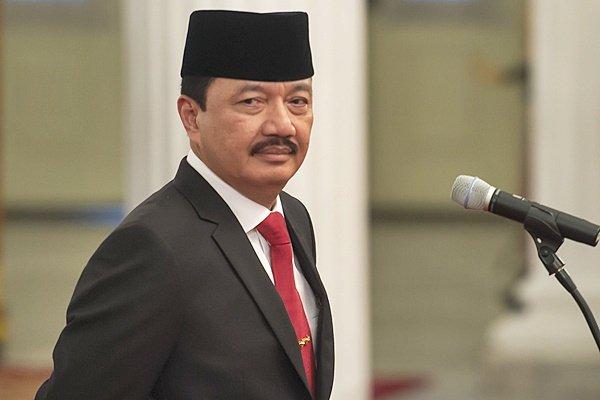 Kepala Badan Intelijen Negara (BIN) Jenderal Pol. Budi Gunawan bersiap mengikuti upacara pelantikan di Istana Negara, Jakarta, Jumat (9/9). - Antara/Widodo S. Jusuf