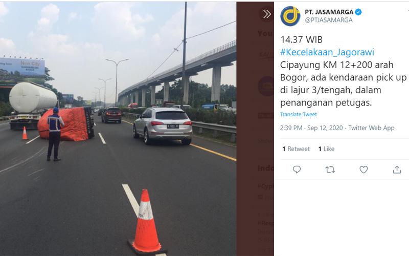 Informasi PT Jasa Marga soal kecelakaan pick up di Tol Jagorawi KM 12200. Foto: twitter ptjasamarga