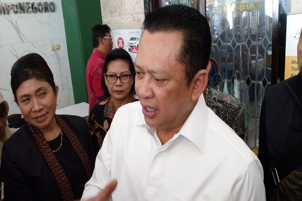 Bambang Soesatyo saat memberikan keterangan kepada wartawan. - JIBI/Alif Nazzala Rizqi